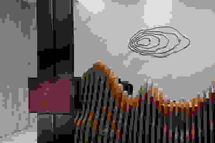層層室內設計辦公室 現代房屋設計點子、靈感 & 圖片 根據 層層室內裝修設計有限公司 現代風