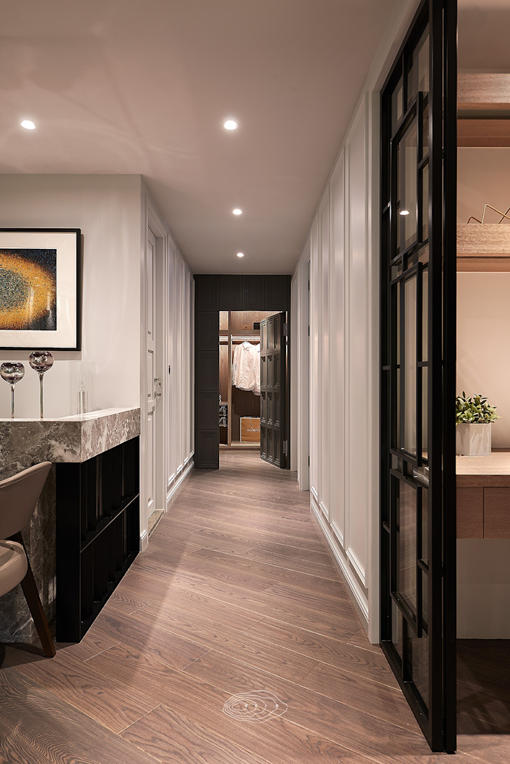 Modern corridor, hallway & stairs by 層層室內裝修設計有限公司 Modern
