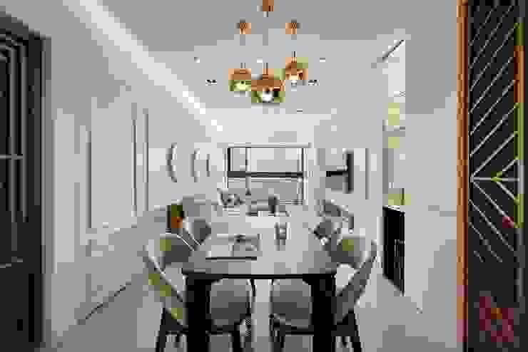 Salas de estilo moderno de 層層室內裝修設計有限公司 Moderno