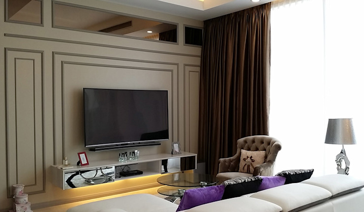 Norm designhaus Classic style living room