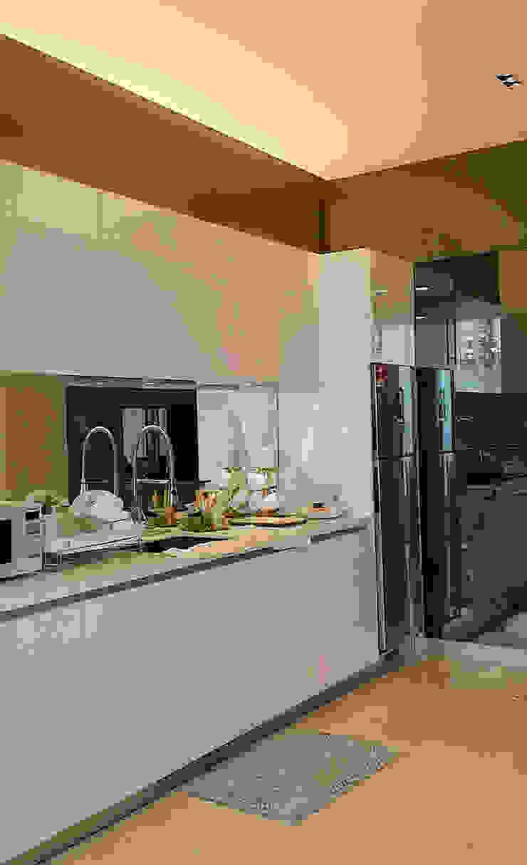 Norm designhaus Classic style kitchen