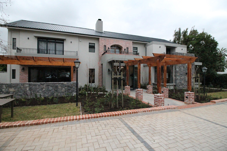 The 5 Star Guesthouse by Audio Visual Projects (PTY) Ltd Eclectic