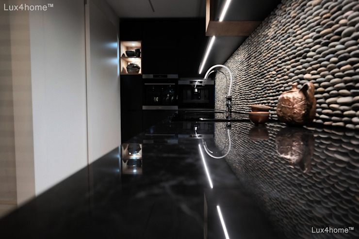 Built-in kitchens by Lux4home™ Indonesia,