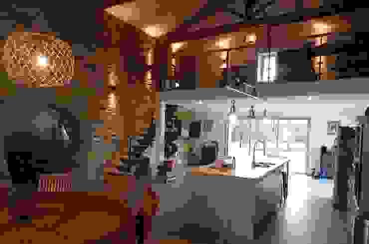 atelier klam Modern style kitchen