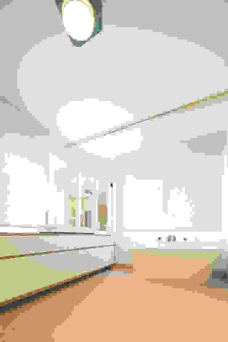 Baños de estilo clásico de mori Clásico