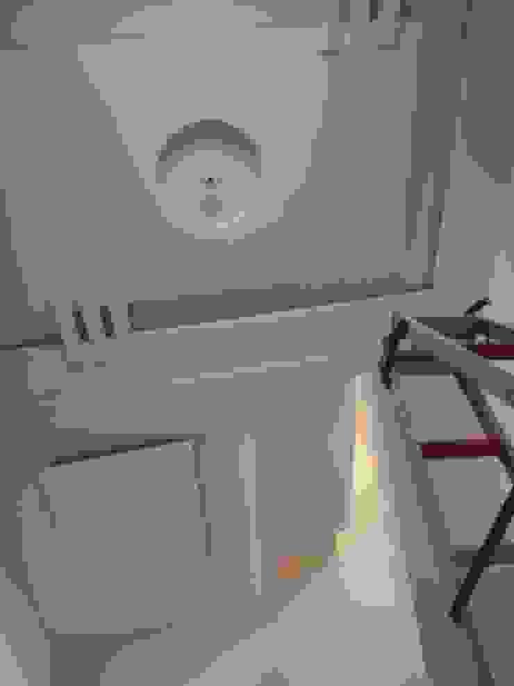 Pembangunan rumah tinggal Oleh CV. ARRAHMAN CONSTRUCTION Minimalis Chipboard