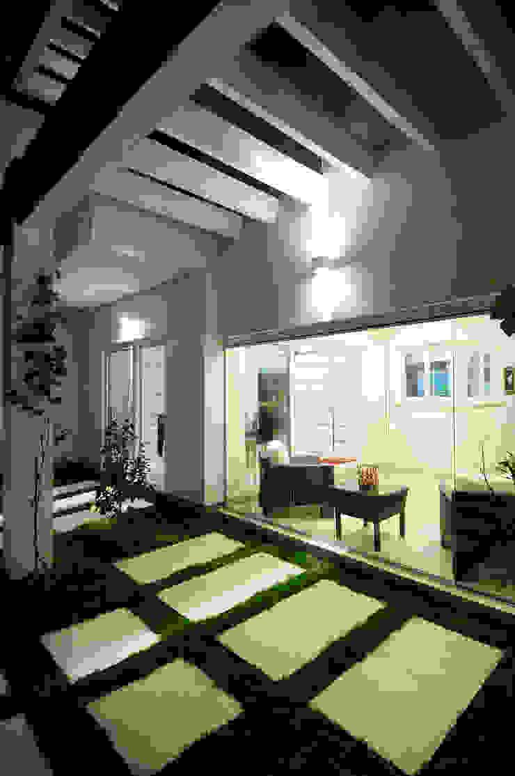 ANDRÉ PACHECO ARQUITETURA Zen garden Concrete White