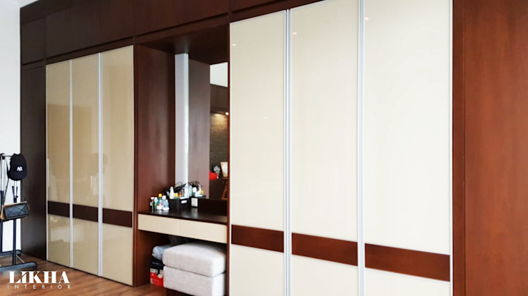 Likha Interior Modern style dressing rooms Plywood Wood effect