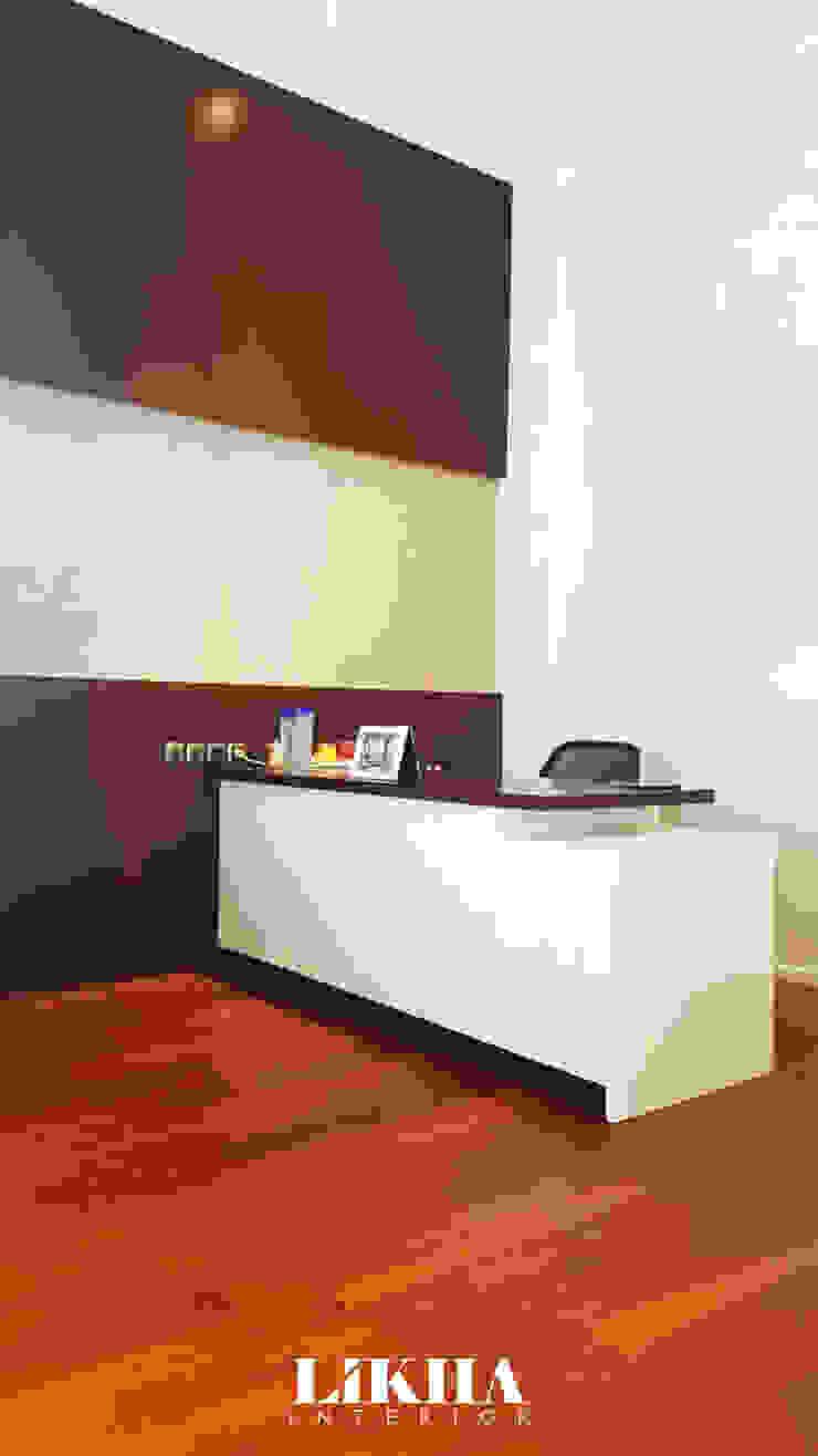 Meja Kerja (Working Table) Ruang Studi/Kantor Modern Oleh Likha Interior Modern Kayu Lapis