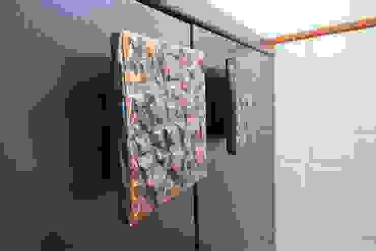 Modern bathroom by Falegnameria Ferrari Modern
