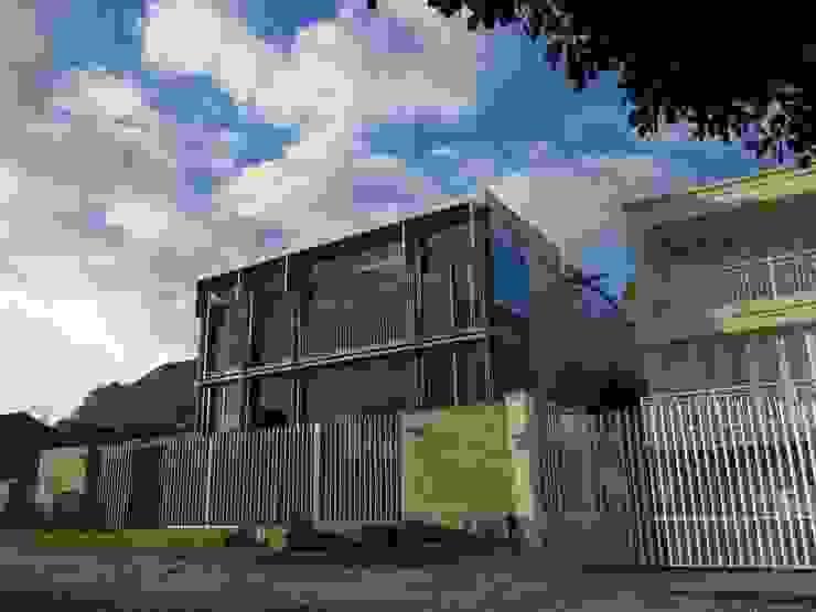 Street Elevation by Van der Merwe Miszewski Architects Modern Glass