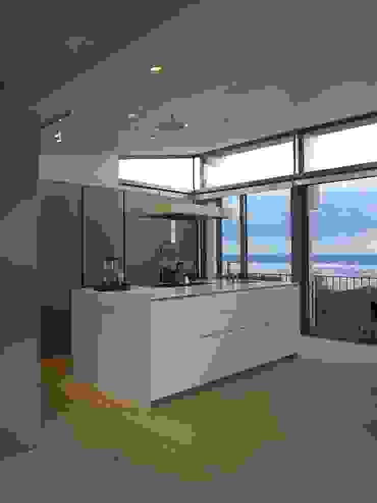Kitchen by Van der Merwe Miszewski Architects Modern MDF