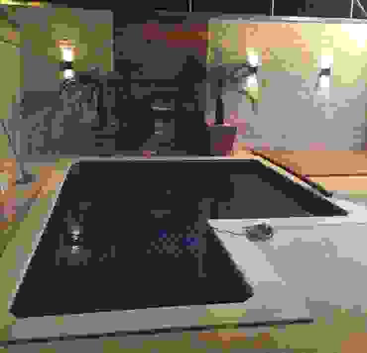 Execução da piscina Bruna Santarosa Arquitetura e Interiores Piscinas modernas