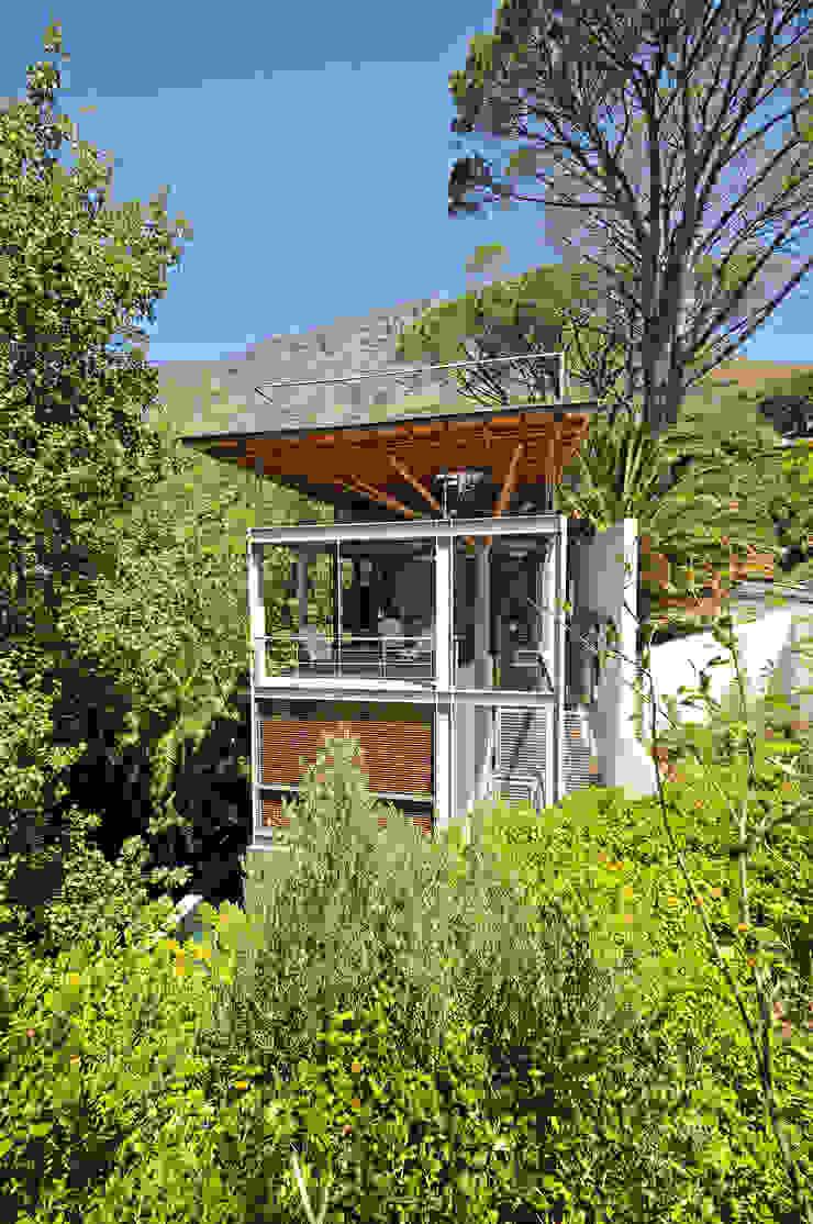 Timber & Steel Structure by Van der Merwe Miszewski Architects Modern Metal