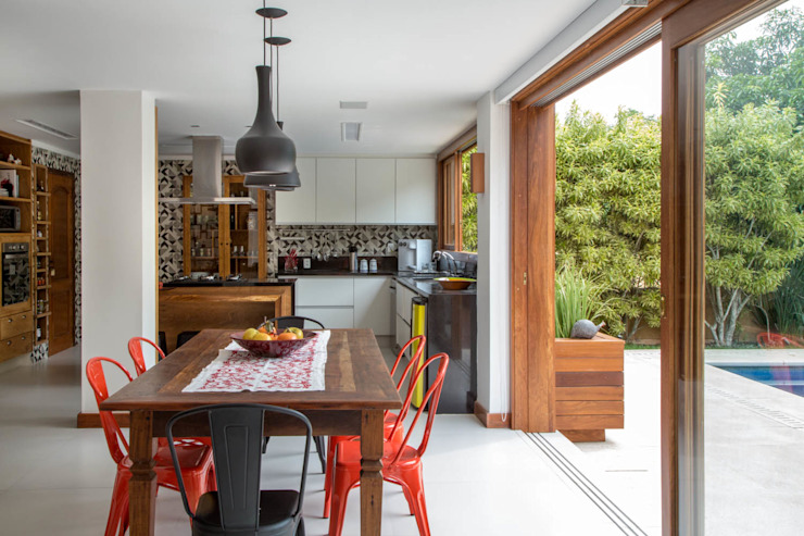 Rustic style kitchen by Raquel Junqueira Arquitetura Rustic
