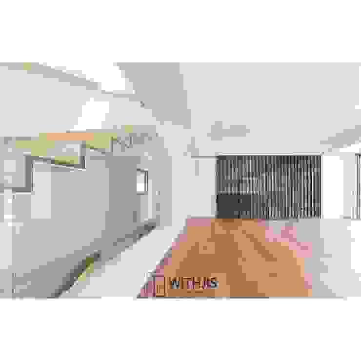 Esszimmer im Landhausstil von WITHJIS(위드지스) Landhaus Holz Holznachbildung