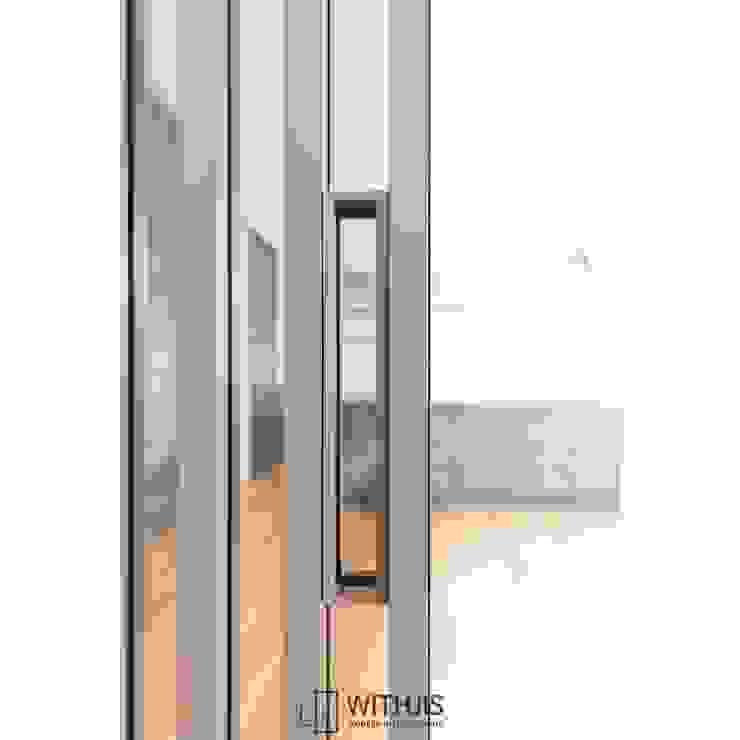 Wohnzimmer im Landhausstil von WITHJIS(위드지스) Landhaus Aluminium/Zink