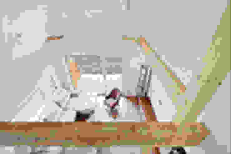 거실 천장 노출: 단감 건축사사무소의 컨트리 ,컨트리