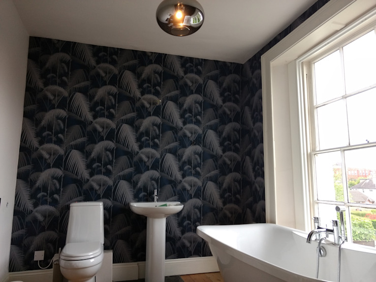 Wallpaper Modern Bathroom by Polly Millard, Interior Decorater Modern