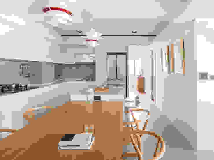 Dining Room and Kitchen Ruang Makan Minimalis Oleh March Atelier Minimalis Kayu Wood effect