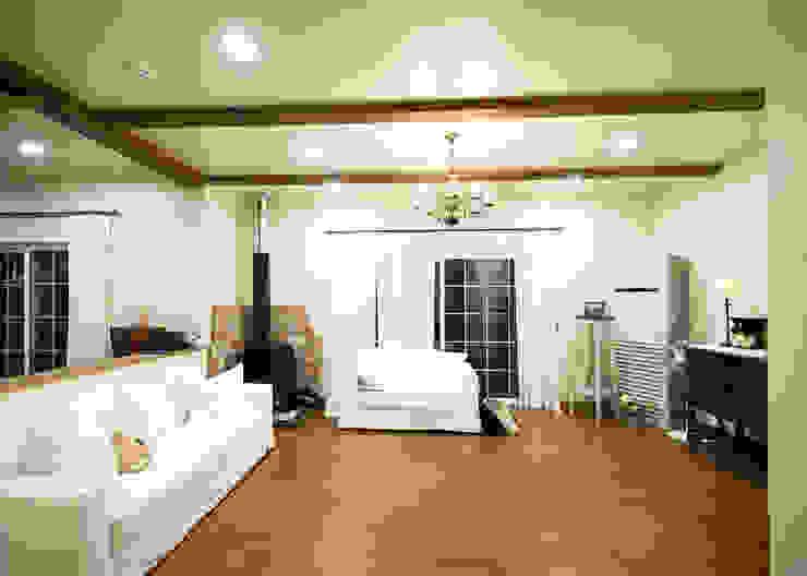 (주)메이드 Country style living room Beige