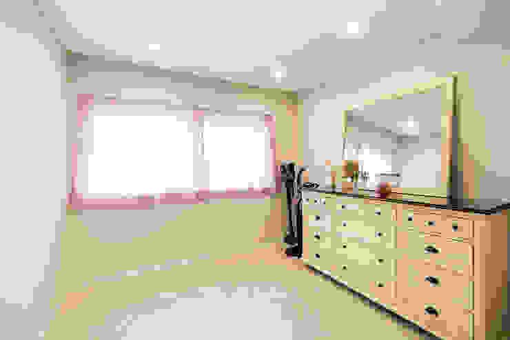 신림동 빌라 22PY 모던스타일 드레싱 룸 by 봄디자인 모던