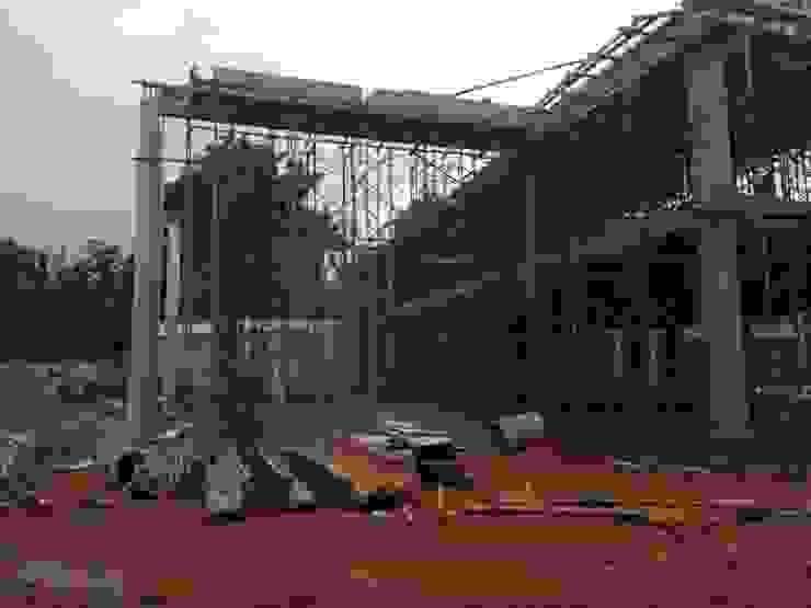 progres lapangan pembangunan Rumah Modern Oleh nakula arsitek studio Modern