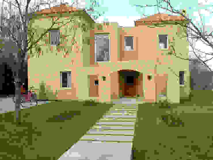 Casa mediterranea con patio en CUBA Fátima de Estudio Dillon Terzaghi Arquitectura - Pilar Mediterráneo Ladrillos
