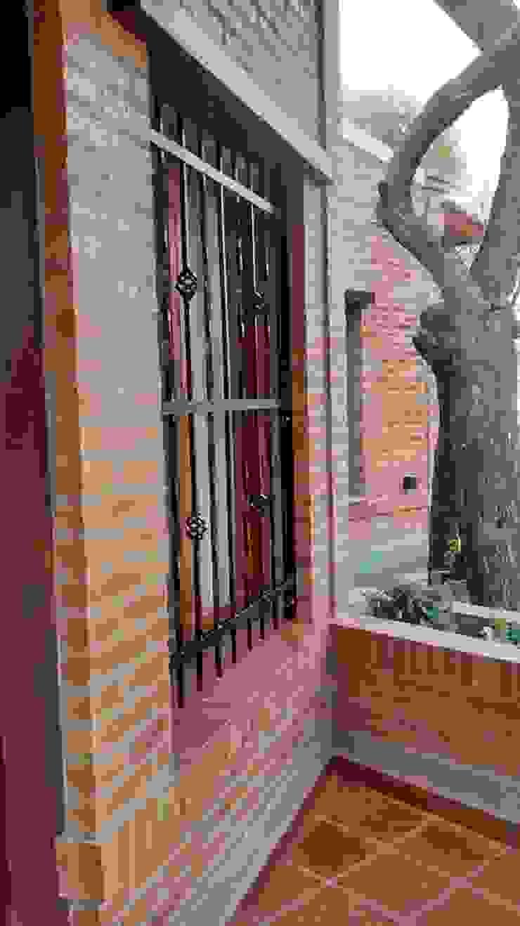 러스틱스타일 창문 & 문 by Sofía Lopez Arquitecta 러스틱 (Rustic)