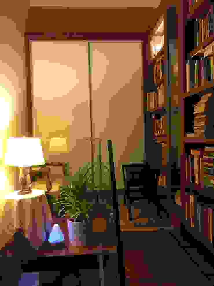 Loft Library at stairwell Modern corridor, hallway & stairs by FINE ART LIVING PTE LTD Modern Glass