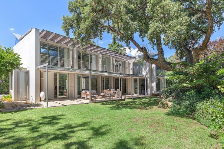 Garden View by Van der Merwe Miszewski Architects Modern Glass