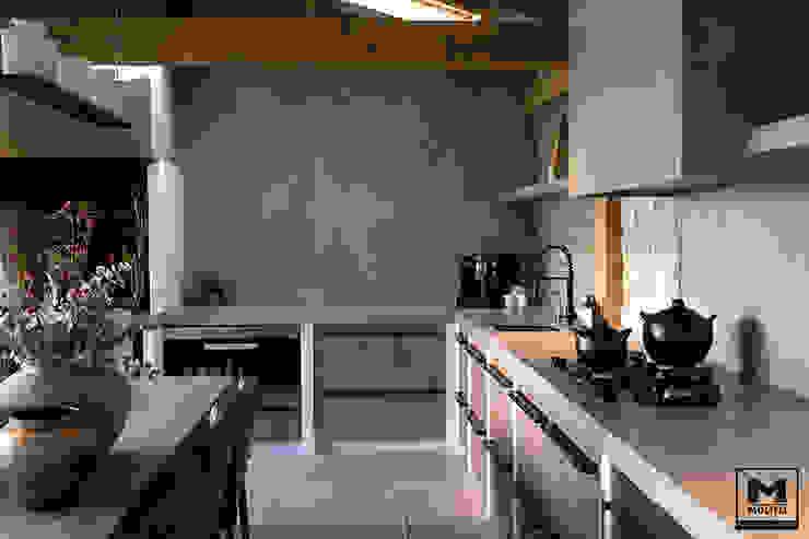 Buitenverblijf Ibiza style Mediterrane keukens van Molitli Interieurmakers Mediterraan