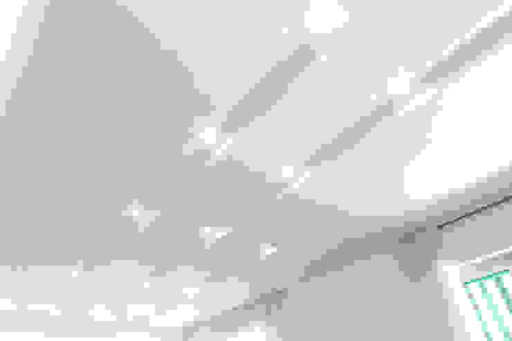 Salas de estilo minimalista de Luca Bucciantini Architettura d' interni Minimalista