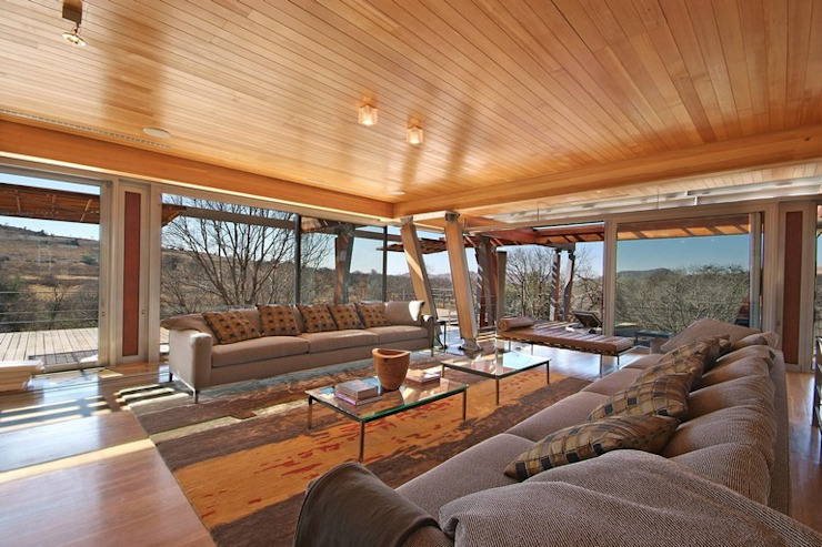 Living Room & Deck Modern living room by Van der Merwe Miszewski Architects Modern Wood Wood effect