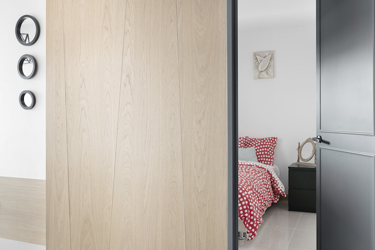 Pasillos, vestíbulos y escaleras minimalistas de 寬宸室內設計有限公司 Minimalista