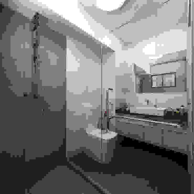 Master Bathroom Kamar Mandi Modern Oleh March Atelier Modern