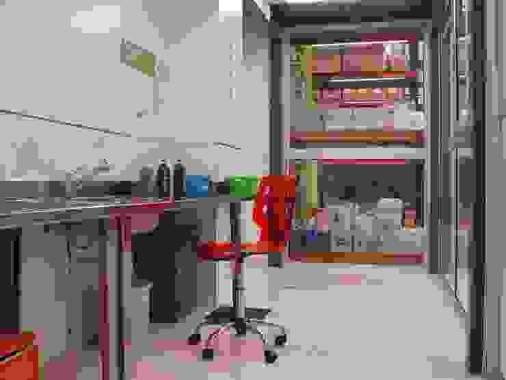 Droguería Monstserratnorte - Laboratorio Edificios de oficinas de estilo moderno de Módulo 3 arquitectura Moderno