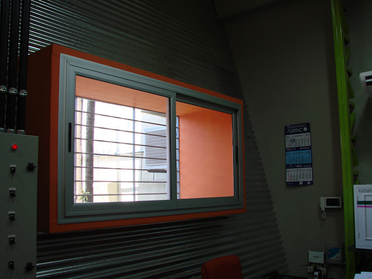 Droguería Monstserratnorte - Vista Interior 3 Edificios de oficinas de estilo moderno de Módulo 3 arquitectura Moderno