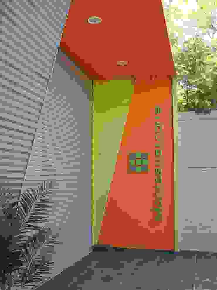 Droguería Monstserratnorte - Vista Exterior 1 Edificios de oficinas de estilo moderno de Módulo 3 arquitectura Moderno