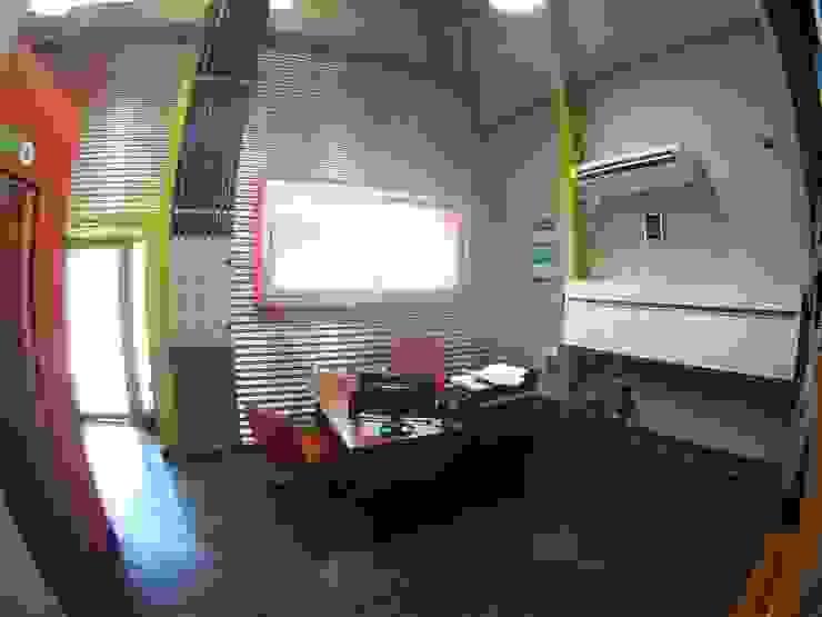 Droguería Monstserratnorte - Vista Interior 4 Edificios de oficinas de estilo moderno de Módulo 3 arquitectura Moderno