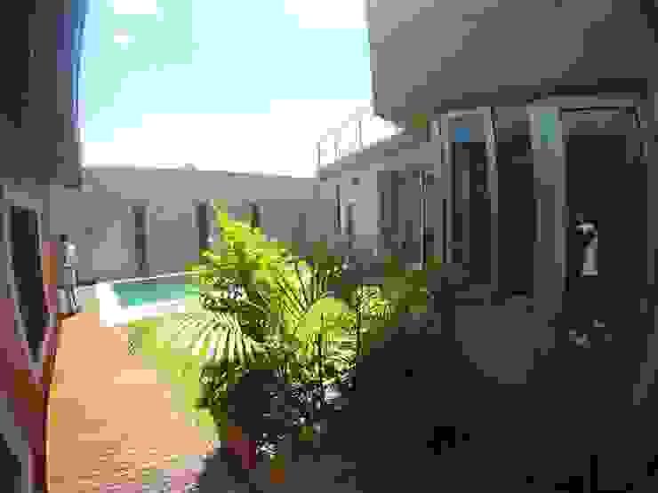 Modern Garden by Módulo 3 arquitectura Modern