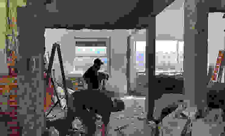 Reforma Salas de estar modernas por INÁ Arquitetura Moderno