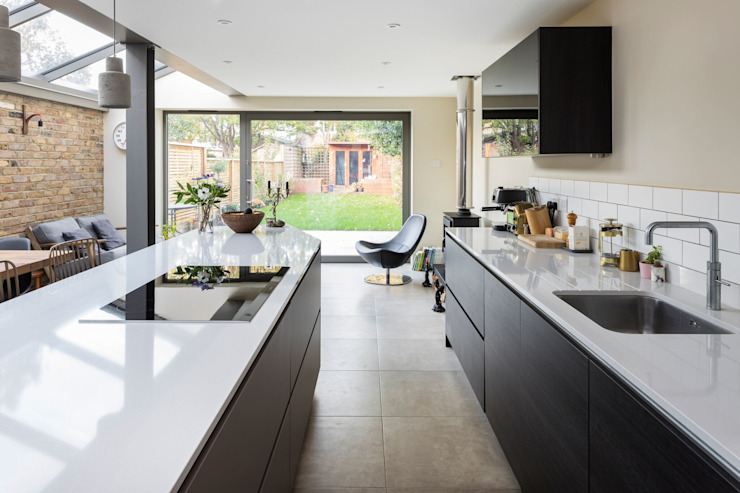 Minimalist Kitchen:  Built-in kitchens by Resi Architects in London,