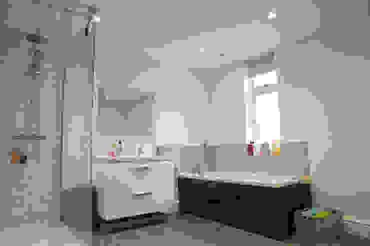 Bathroom dwell design Baños de estilo rural