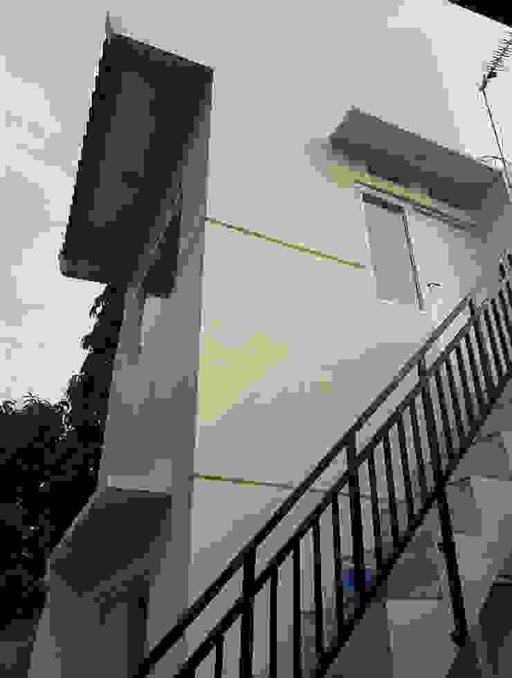 Renovasi di Jalan Teratai 16 – Bogor :modern  oleh CV.Emasna Propertindo Sentosa, Modern