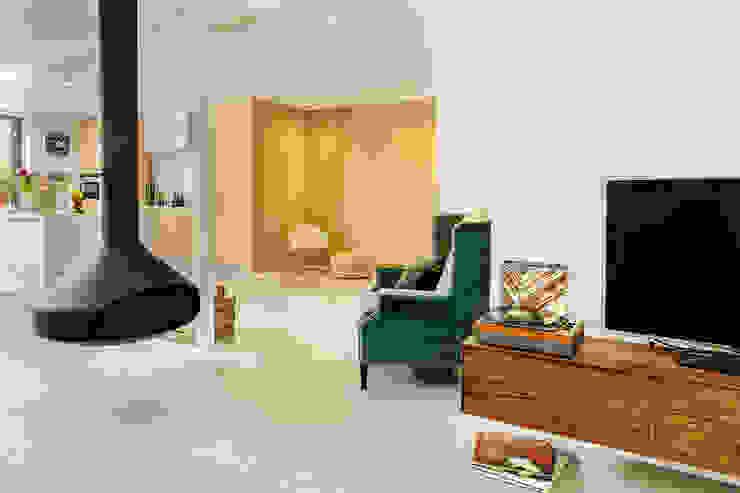 Jolanda Knook interieurvormgeving Eclectic style living room Concrete