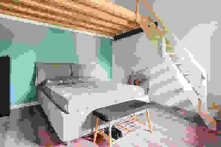 Scandinavian style bedroom by Facile Ristrutturare Scandinavian