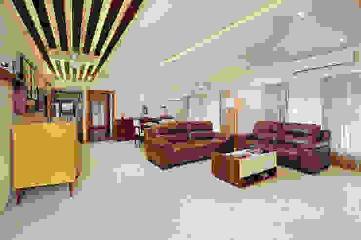 Modern Living Room by Urbane Storey Modern