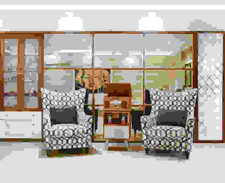 MR. VIKAS SHAH Urbane Storey Modern living room