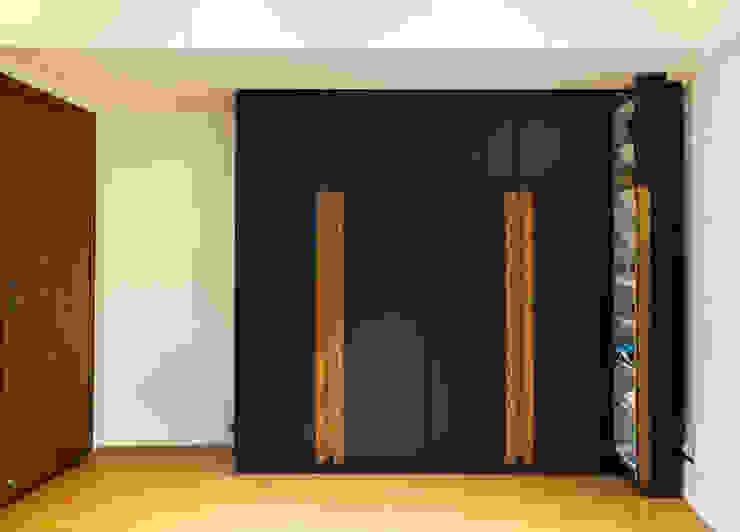 Bachelor Pad Minimalist bedroom by Urbane Storey Minimalist